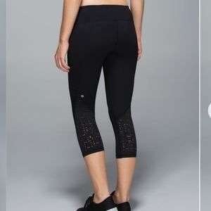 Lululemon water bound crop